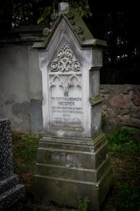 Grób Fryderyki Meisner na cmentarzu w Seroczynie