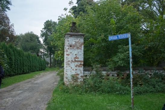 Ulica Edmunda (sic!) Wernera, prowadząca do dawnego majątku Wernerów
