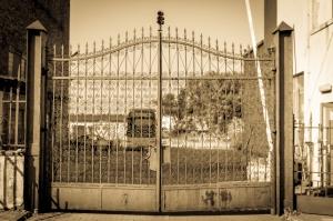 Cukrownia Wernerów w Leśmierzu - brama